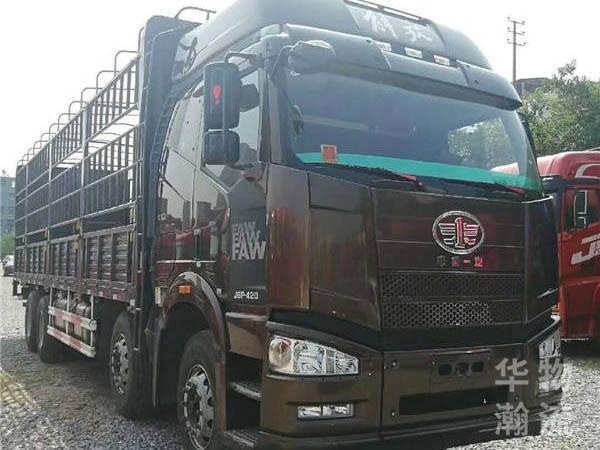 420馬力綠通版解放前四后八9.6米高欄載貨車,國五排放
